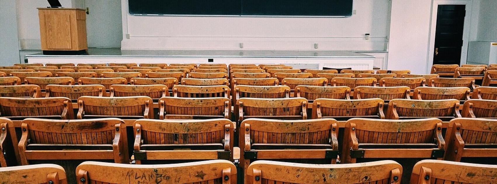 classroom-1699745_960_720.jpg